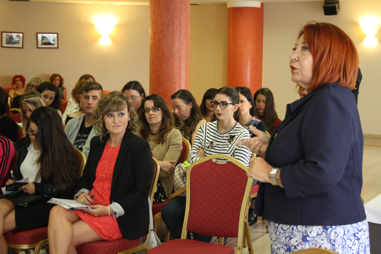 Consuelo Silveira reivindica una formación integral en estética