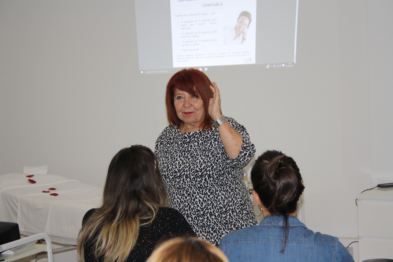 Consuelo Silveira nos visita para impartir clases de Cosmetología y Protocolos